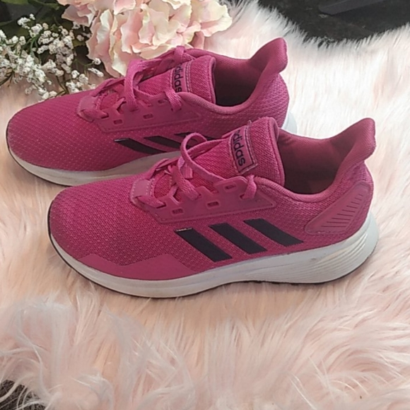 adidas tenis shoes pink color size 13.5